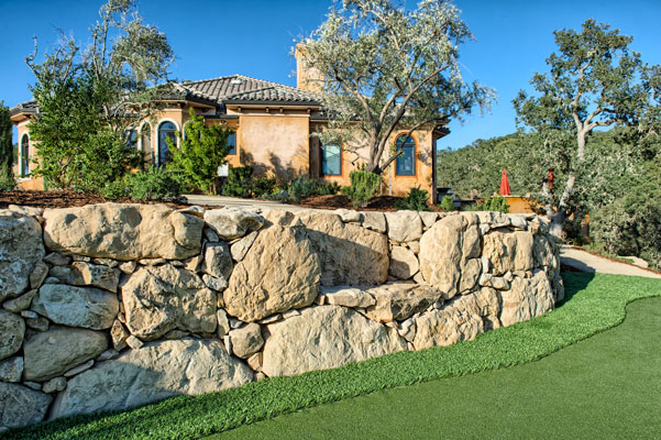 Custom Rock walls and Landscaping
